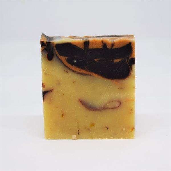 wakey-savonnerie-aubergine-savon-lamandier-2